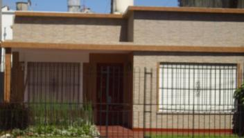 Tipo casa PH en Venta en Berazategui, Berazategui, Buenos Aires, Argentina