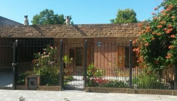 Casa en Venta en Bosques, Florencio Varela, Buenos Aires, Argentina