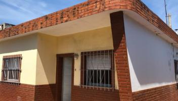 Tipo casa PH en Venta en Berazategui, Buenos Aires, Argentina